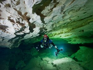narrow cave diving