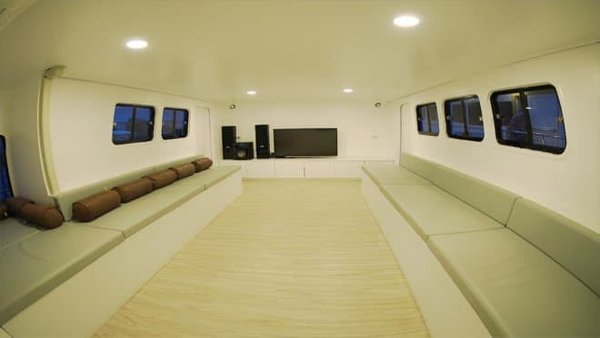 inside-saloon-660×348
